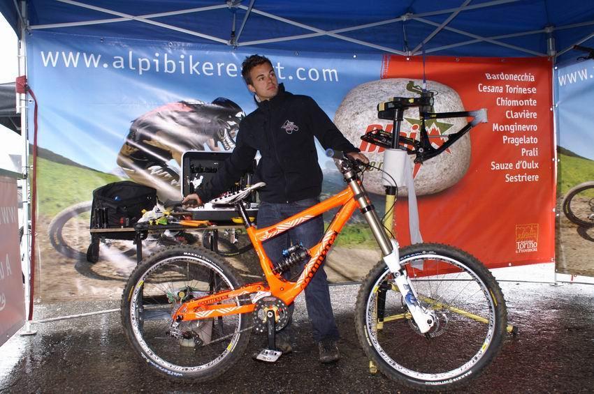 Marco Bugnone con la nuova bici