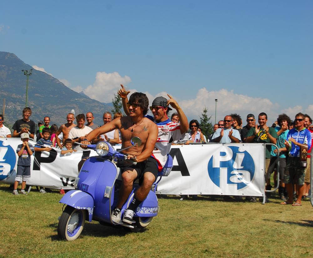Luca Benedet e Lorenzo Suding festeggiano alla desarpa bike